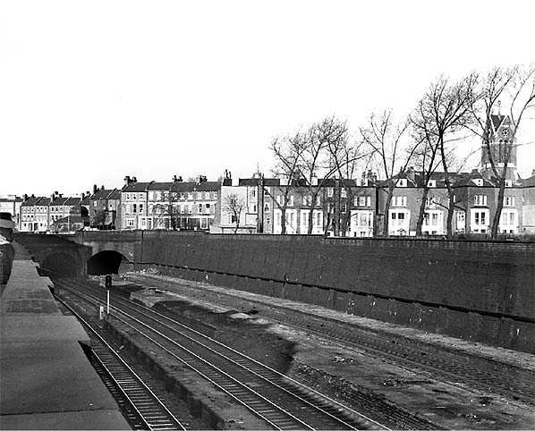 disused stations  camden road station