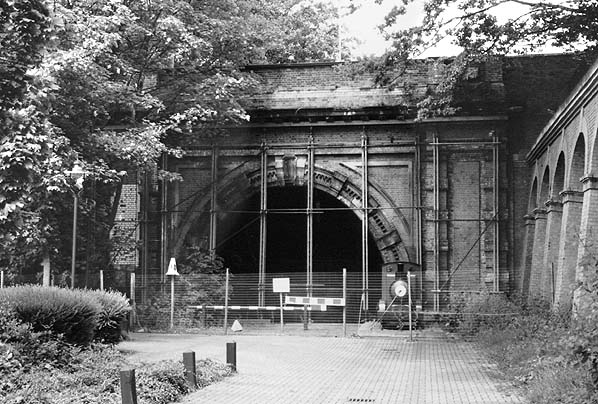 Disused Stations: Crys...