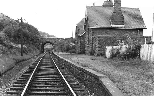 Disused Stations Cwm Y Glo Station