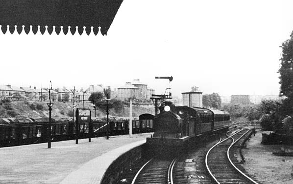 Boat train arriving at Gravesend West Street Station in June 1938