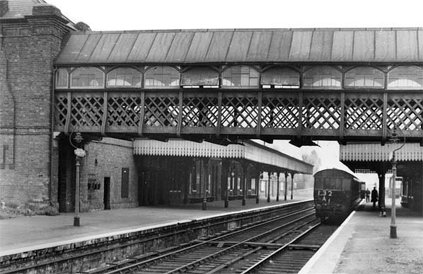 What Is Green Monday >> Disused Stations: Palace Gates (Wood Green) Station