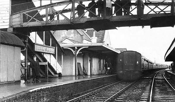 Ringwood Railway Station Photo Holmsley to West Moors and Christchuch. 10