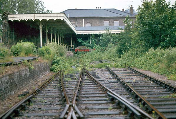 Disused Stations Staines West Station