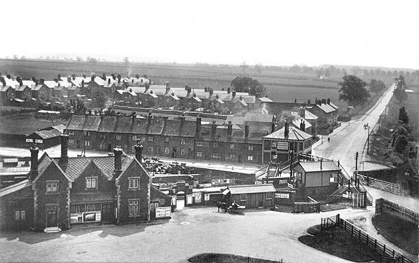 L/&NWR. 6 Wellingborough London Road Railway Station Photo