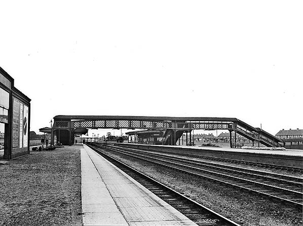 Train From Luton Airport To Welwyn Garden City Garden Ftempo