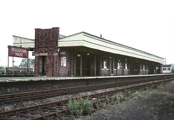 Disused Stations Woodford Halse Station